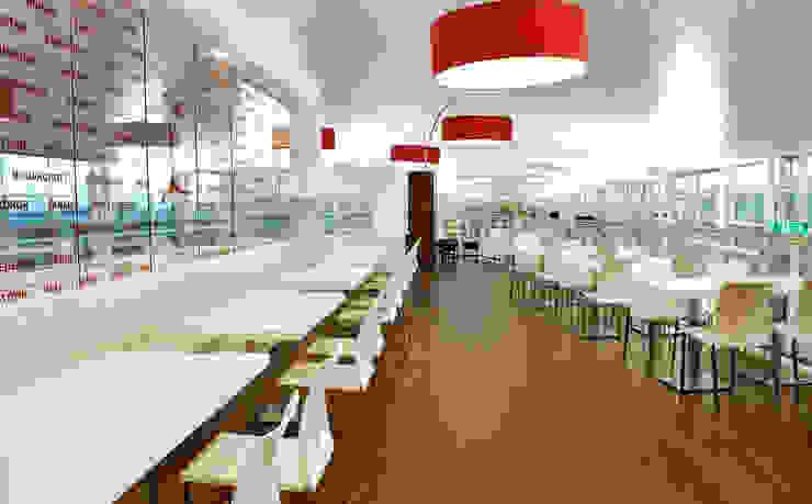 DEHESA SANTA MARIA. AEROPUERTO T-1 DE BARCELONA Gastronomía de estilo minimalista de INTERTECH ESPACIO CREATIVO Minimalista