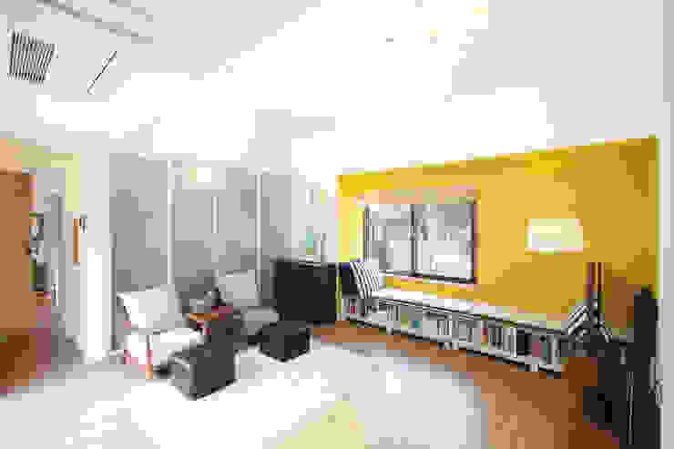 Modern Living Room by 주택설계전문 디자인그룹 홈스타일토토 Modern