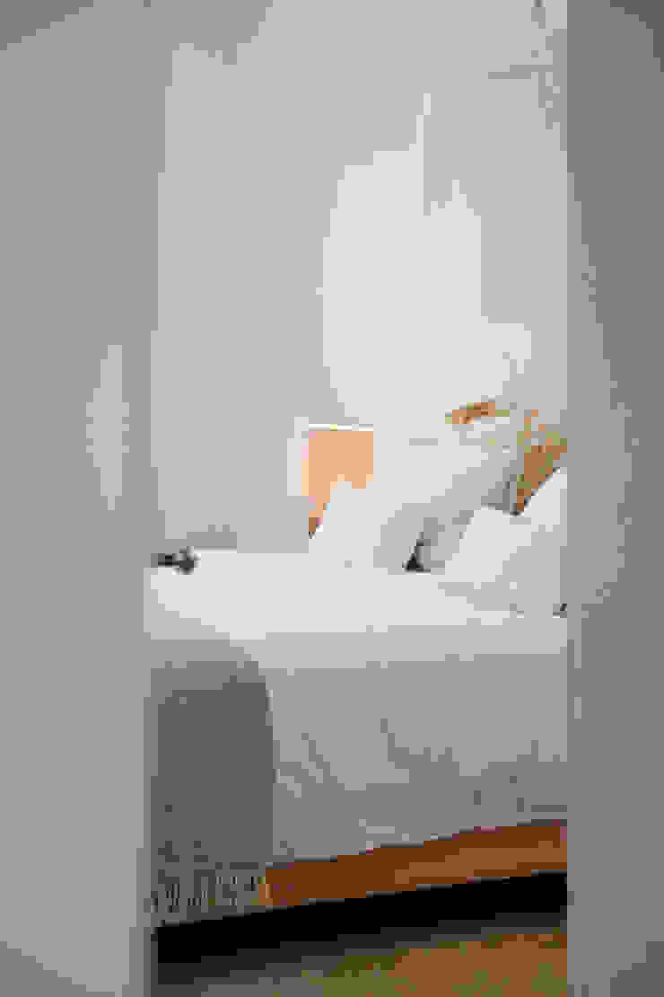 MASTER BEDROOM ENTRY Quartos coloniais por Staging Factory Colonial