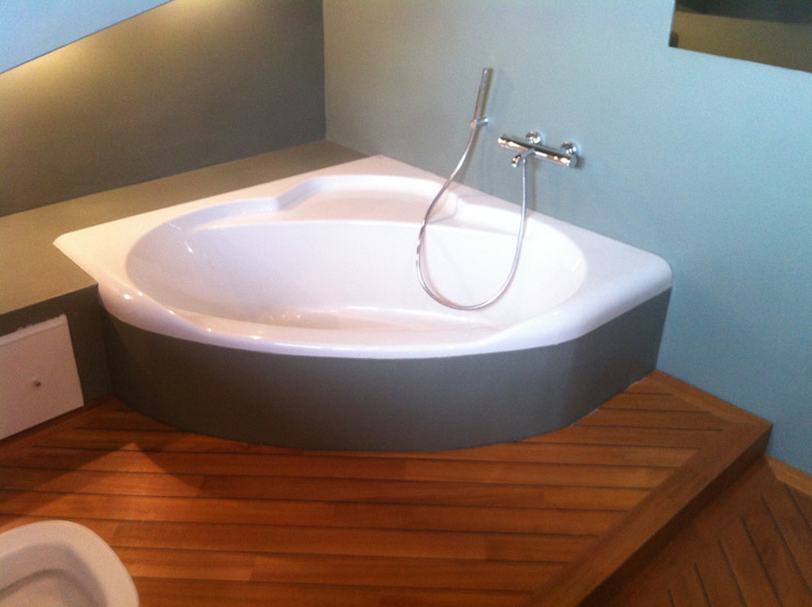 COMPENSATI CABBIA snc Ванна кімната