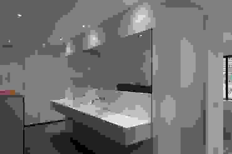 Badkamer Moderne badkamers van Leonardus interieurarchitect Modern