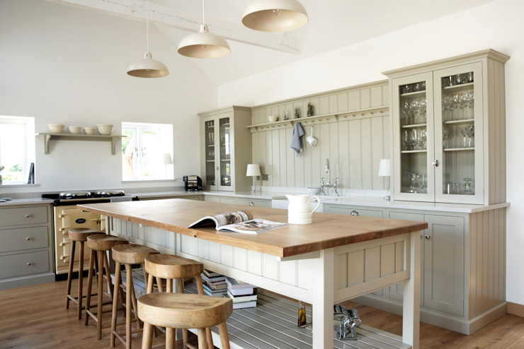 The Warwickshire Barn Shaker Kitchen 컨트리스타일 주방 by deVOL Kitchens 컨트리
