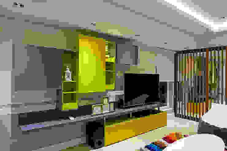 A. MORİTA EVİ ANTALYA Modern Oturma Odası Mimoza Mimarlık Modern