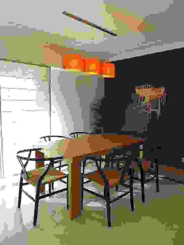 Zona de Refeições Salas de jantar modernas por Traço Magenta - Design de Interiores Moderno