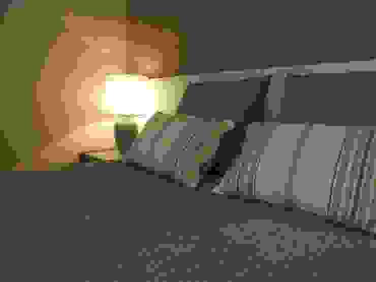 Suite - promenor Quartos modernos por Traço Magenta - Design de Interiores Moderno