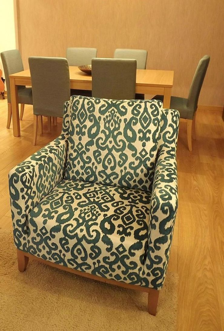Sala Comum_promenor da poltrona Salas de estar modernas por Traço Magenta - Design de Interiores Moderno