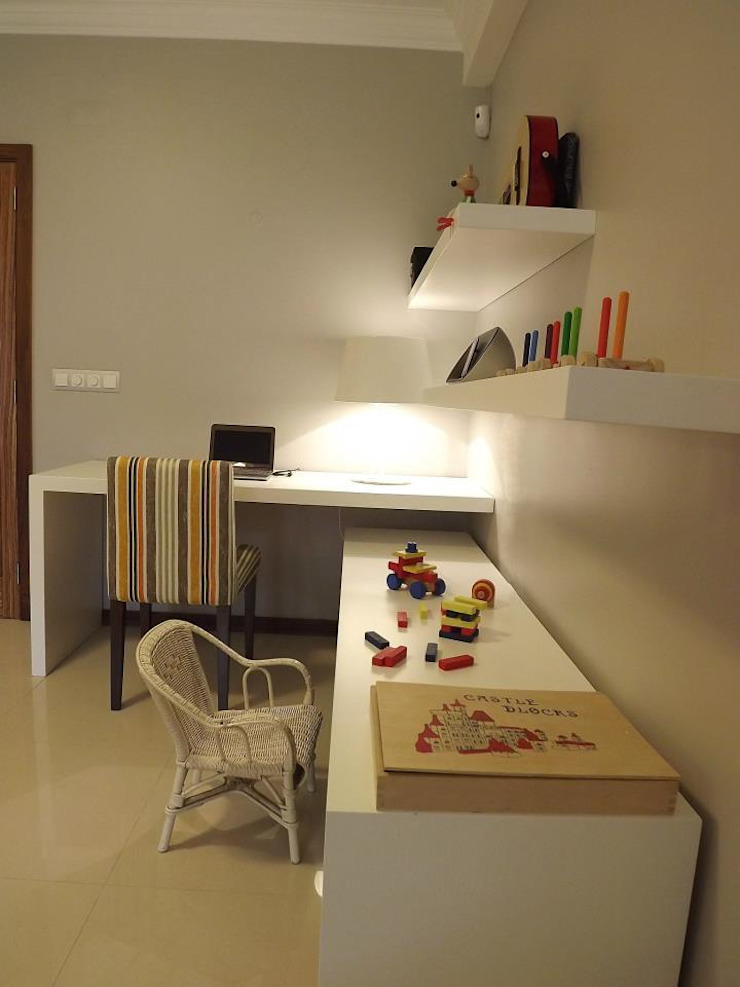 Zona de estudo e brincadeira Salas de estar modernas por Traço Magenta - Design de Interiores Moderno