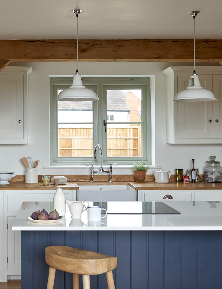 The Herefordshire Cottage Shaker Kitchen by deVOL Cozinhas campestres por deVOL Kitchens Campestre