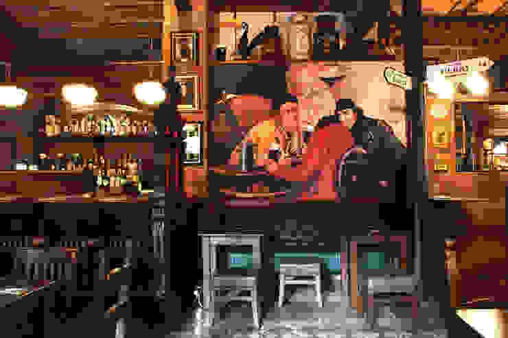 Robin Dunne´s Tavern Gastronomía de estilo clásico de INTERTECH ESPACIO CREATIVO Clásico