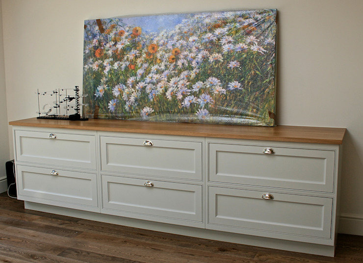 Sideboard : classic  by Place Design Kitchens and Interiors, Classic