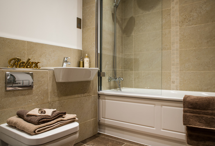 Show flat in Ascot, UK Modern bathroom by Lujansphotography Modern
