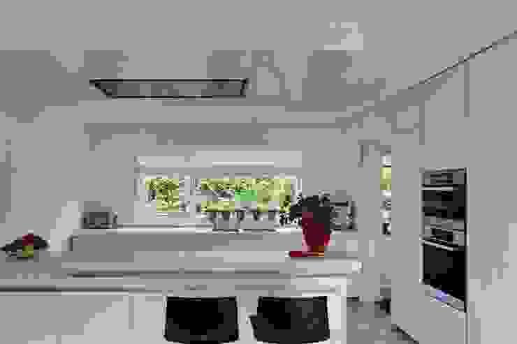 Keuken:  Keuken door Leonardus interieurarchitect,