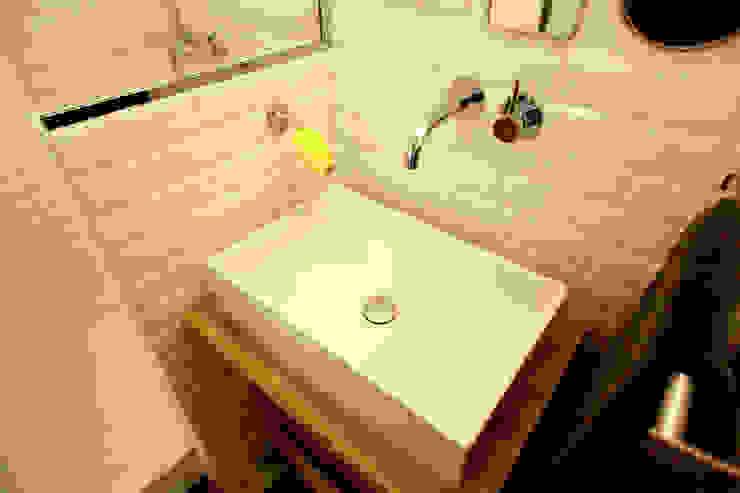 Rénovation complète d'un appartement par NELSON Architecture Intérieure & Design Minimaliste