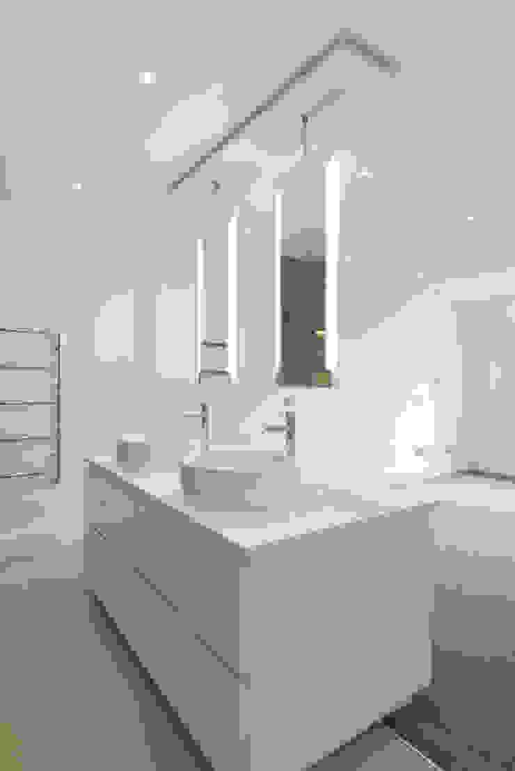Kensington Penthouses DDWH Architects Minimalist style bathroom