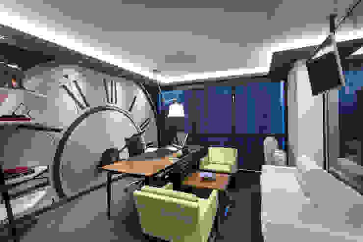 Espaces de bureaux modernes par Mimoza Mimarlık Moderne