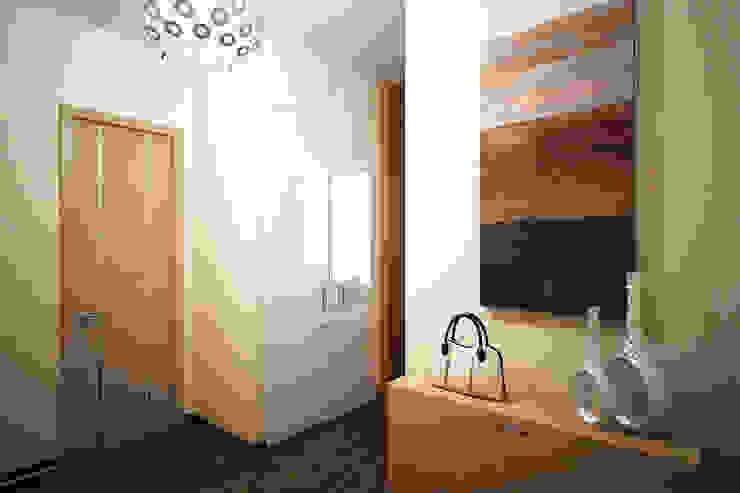 Minimalist corridor, hallway & stairs by Творческая мастерская дизайна интерьера Анны Першаковой Minimalist