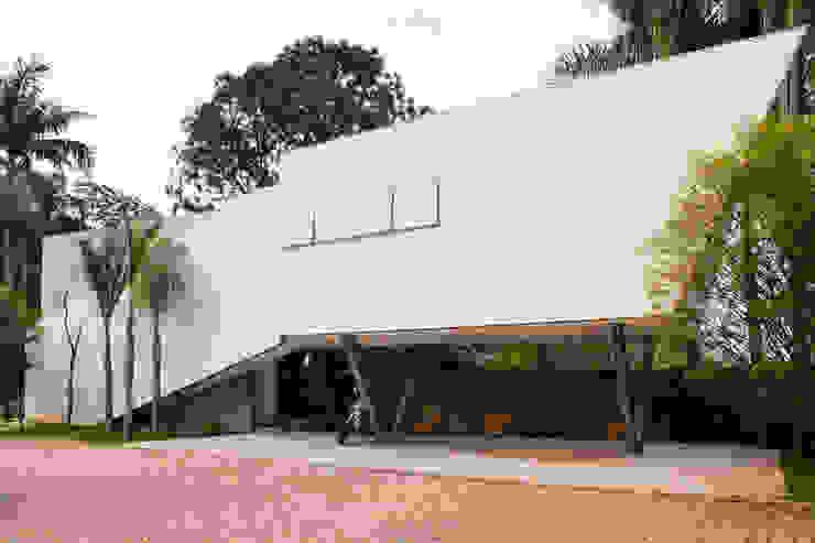 Maisons de style  par SAA_SHIEH ARQUITETOS ASSOCIADOS