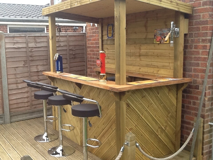 One of our range of outdoor bars Rustic style garden by shaun.roper Rustic