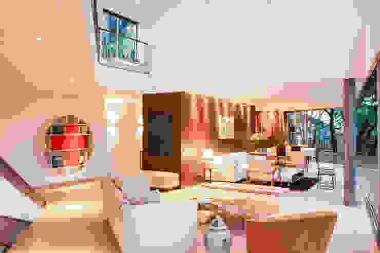 Salas de estilo moderno de SAA_SHIEH ARQUITETOS ASSOCIADOS Moderno