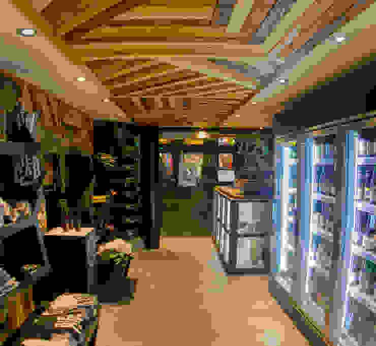THE BIERCAB SHOP. BARCELONA Espacios comerciales de estilo ecléctico de INTERTECH ESPACIO CREATIVO Ecléctico