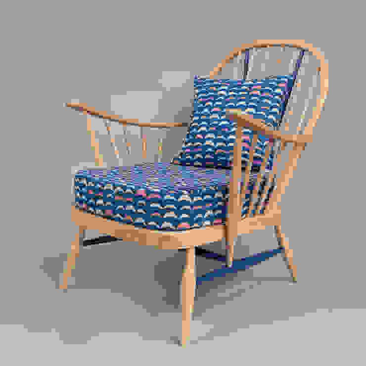 Luna Chair: modern  by Humblesticks, Modern