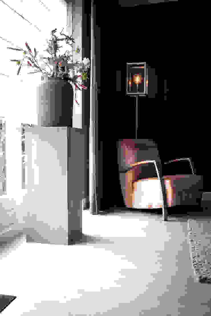 Woonhuis, houten vloer Industriële muren & vloeren van Zilva Vloeren Industrieel