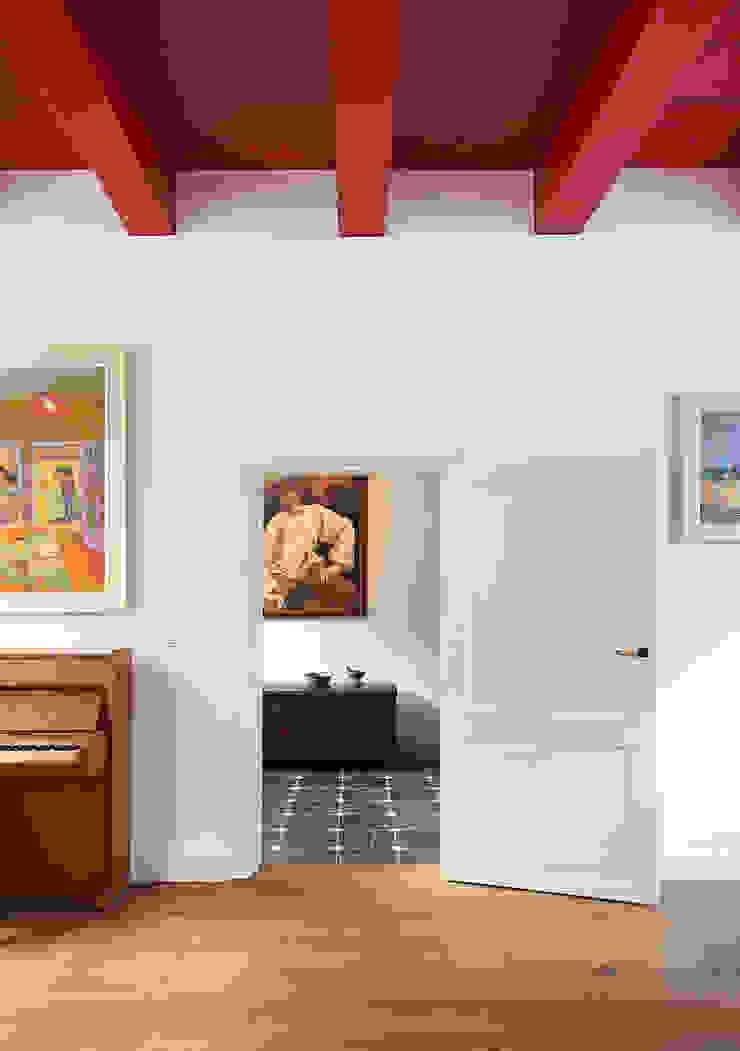 Weteringbuurt Klassieke woonkamers van Architectenbureau Vroom Klassiek