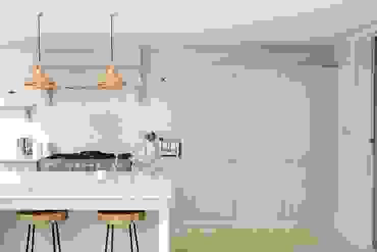 The Clapham Classic English Kitchen by deVOL Cocinas rurales de deVOL Kitchens Rural