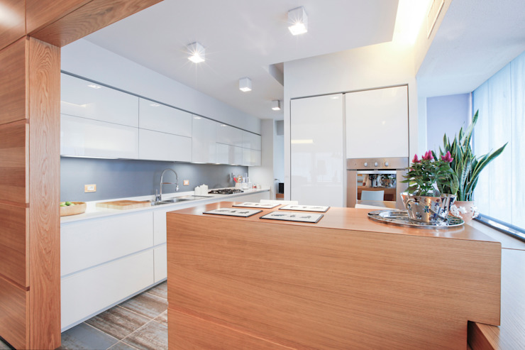 Kitchen by Emanuela Gallerani Architetto ,