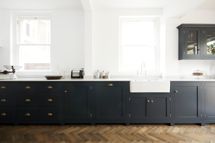 The Bath Shaker Kitchen by deVOL Industrial style kitchen by deVOL Kitchens Industrial