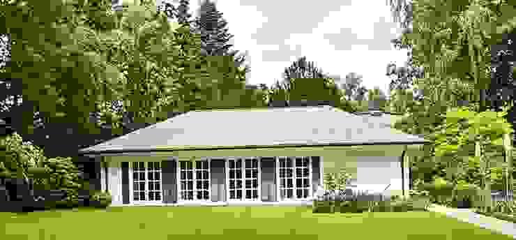 MARK ASTON by TWH Schwimmabd THE WHITE HOUSE american dream homes gmbh Spa im Landhausstil