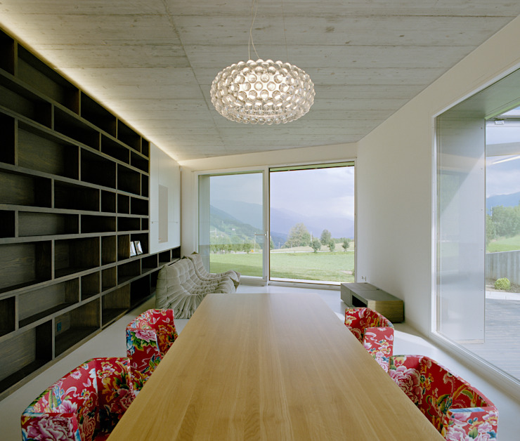 SUSI - Single Family House and Veterinarian Office Modern dining room by AllesWirdGut Architektur ZT GmbH Modern