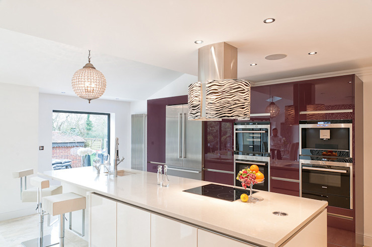 Urban Style—Loughton Modern kitchen by Urban Myth Modern