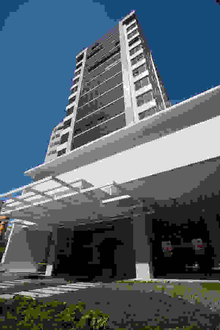 The Office Avenida Espaços comerciais modernos por Mantovani e Rita Arquitetura Moderno