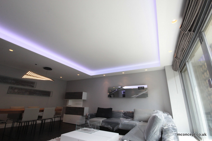 Complete modernisation of Central London Flat Modern living room by Mconcept Modern