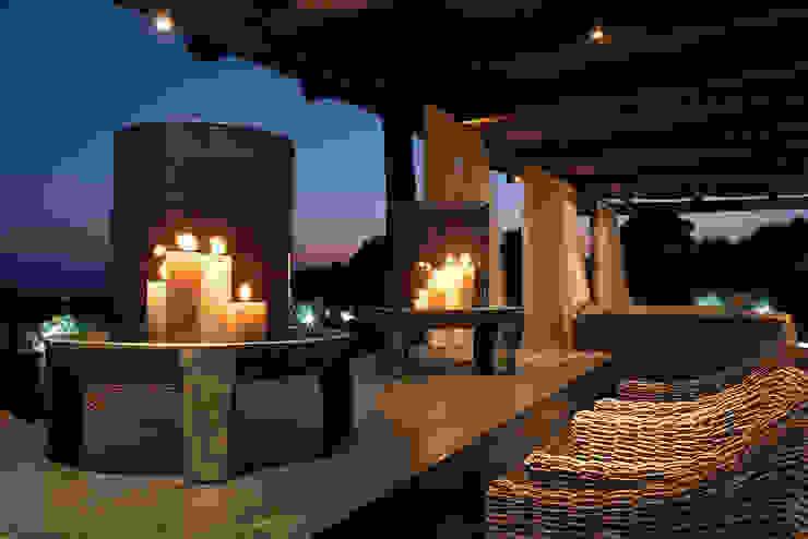 Mediterranean style balcony, veranda & terrace by adela cabré Mediterranean