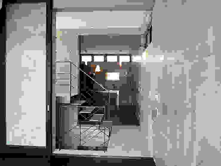 الممر والمدخل تنفيذ スタジオ4設計