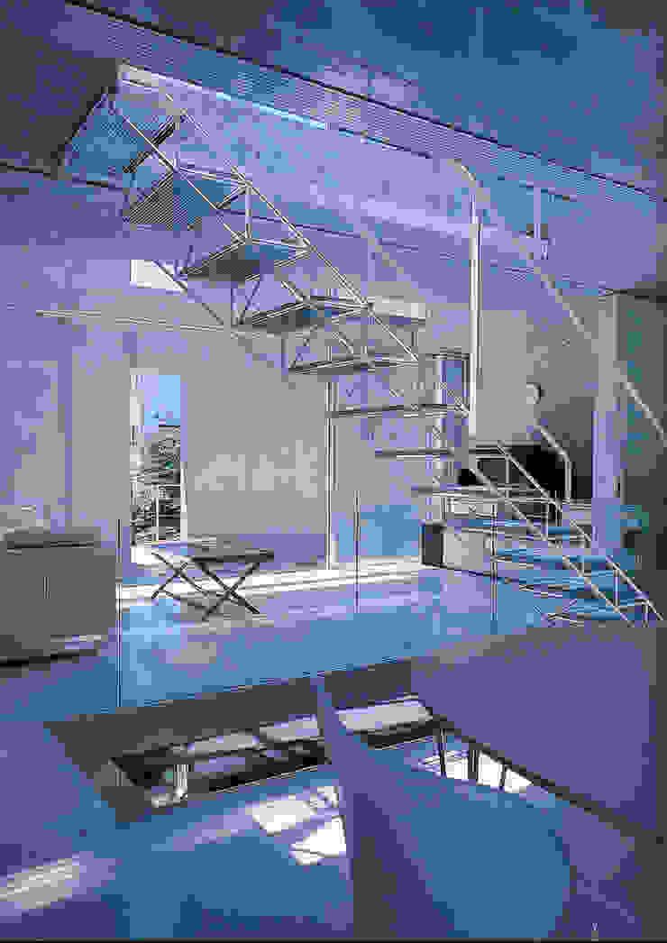 旗竿敷地の鉄筋コンクリートの家 モダンデザインの ダイニング の スタジオ4設計 モダン