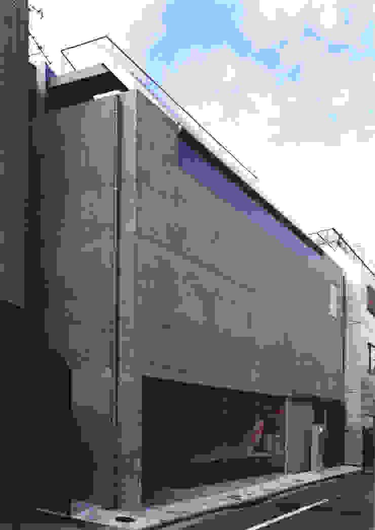 都市型貸店舗付狭小住宅 モダンな 家 の スタジオ4設計 モダン