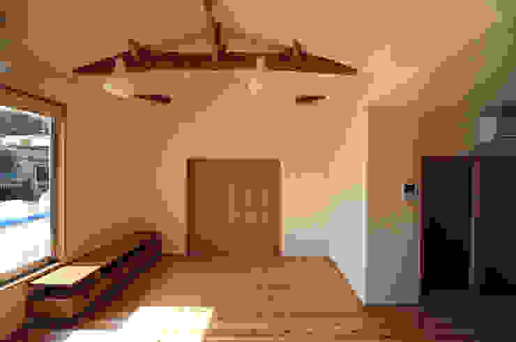 連島の家 モダンデザインの リビング の 塚本雅久建築設計事務所 モダン