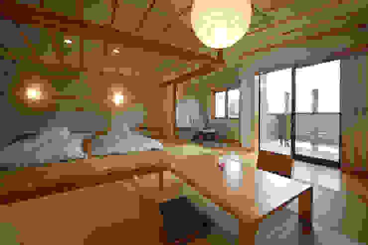 客室 うららかな音 : Room URARAKANAOTO TAKA建築設計室 オリジナルなホテル