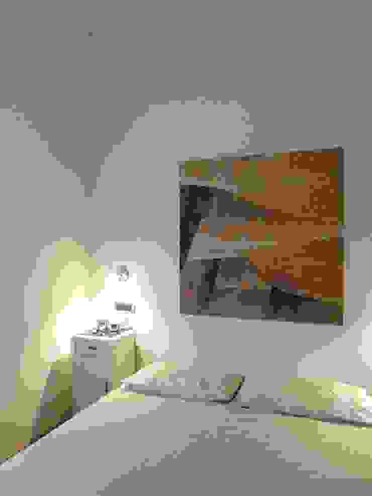 Casa degli ulivi, vivere fra terra a mare. Moneglia (Genova) Camera da letto eclettica di BaBo Design - Barbara Sabrina Borello Eclettico