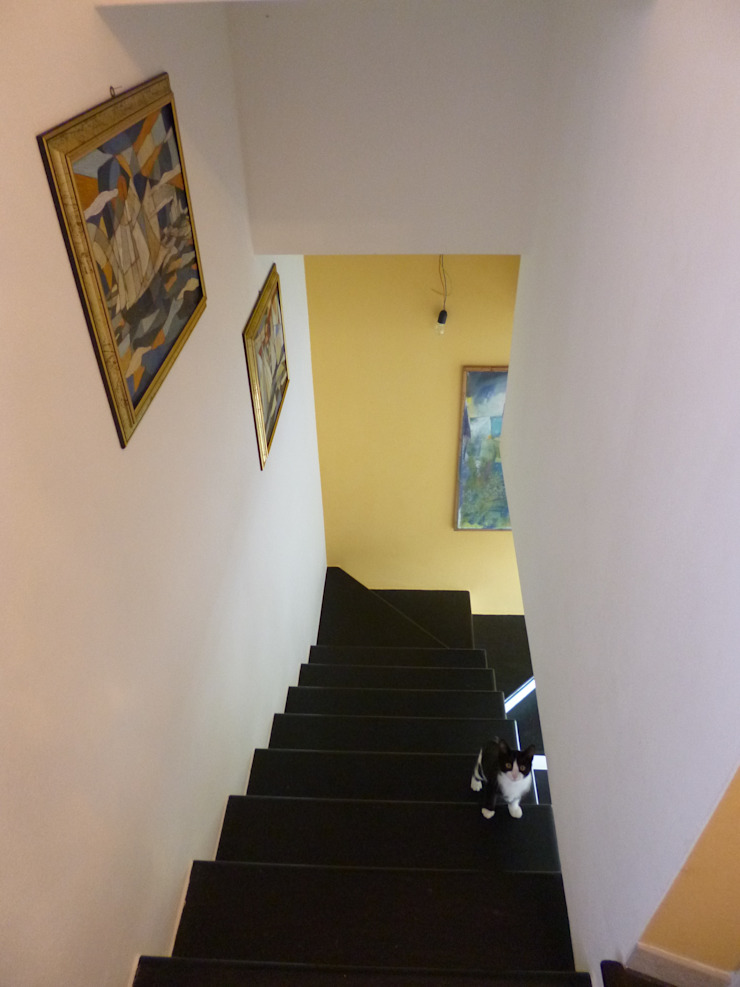 Casa degli ulivi, vivere fra terra a mare. Moneglia (Genova) Ingresso, Corridoio & Scale in stile rustico di BaBo Design - Barbara Sabrina Borello Rustico