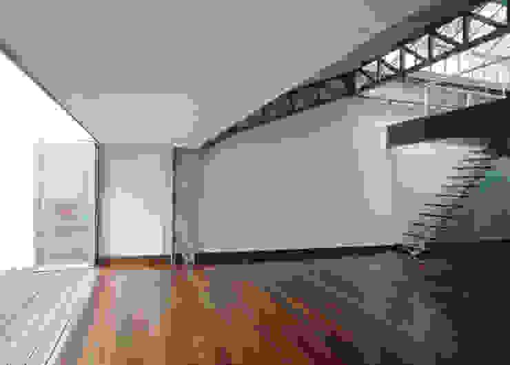 Beriot, Bernardini arquitectos Industrial style study/office