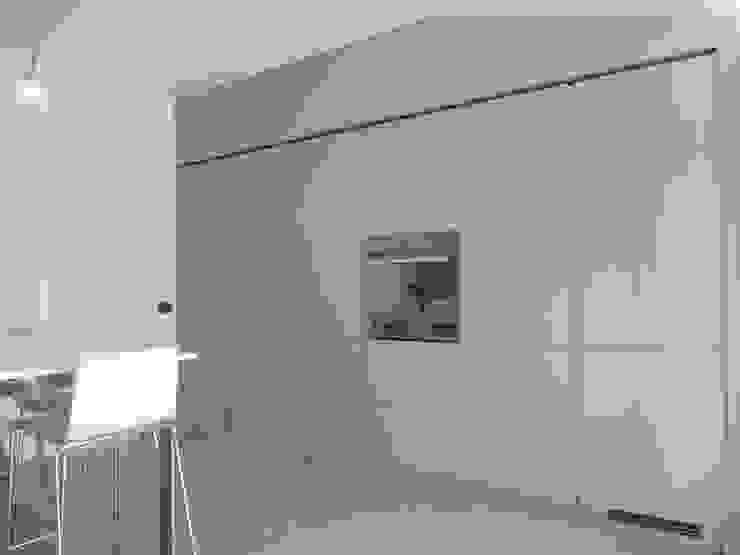 Modern Kitchen by DOMENICO SUCCURRO ARCHITETTO Modern