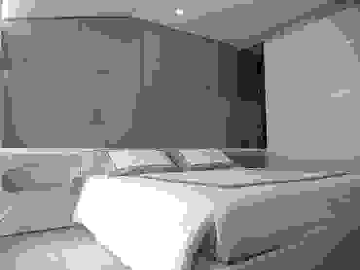 Modern Bedroom by DOMENICO SUCCURRO ARCHITETTO Modern