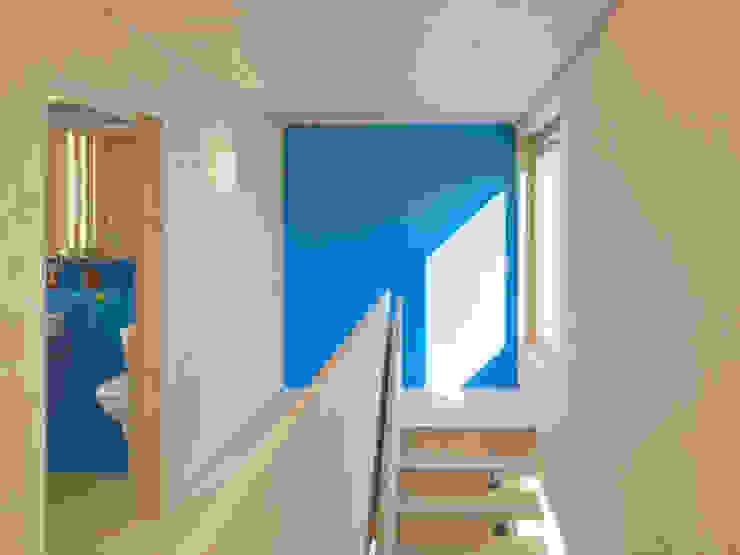 Haus Blarer Moderner Flur, Diele & Treppenhaus von Blarer & Reber Architekten Modern