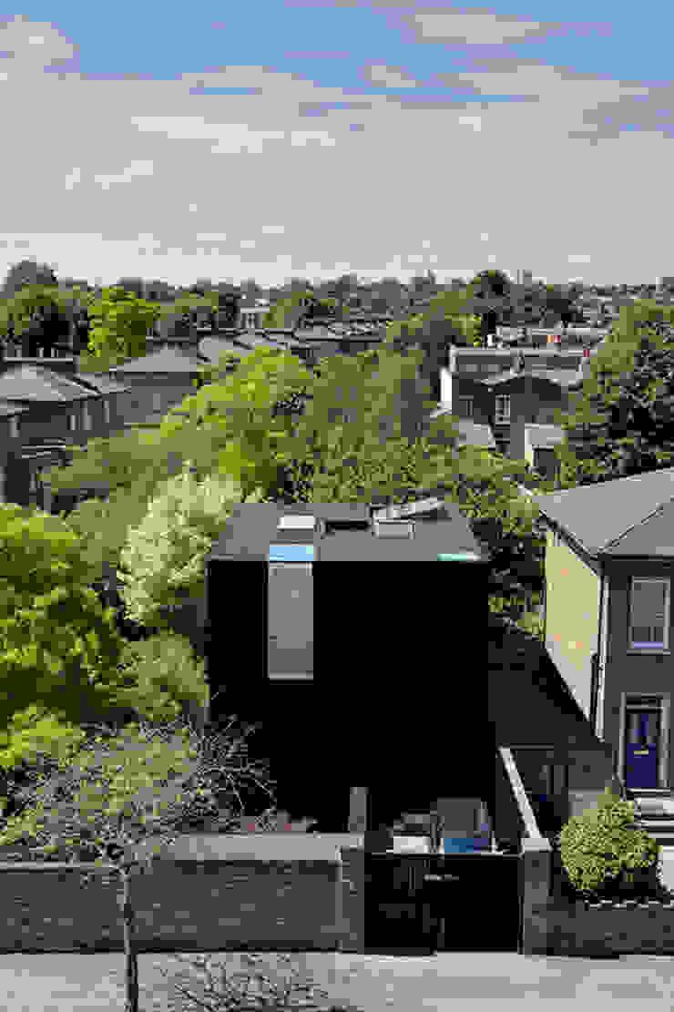 Exterior view Minimalist houses by Ed Reeve Minimalist