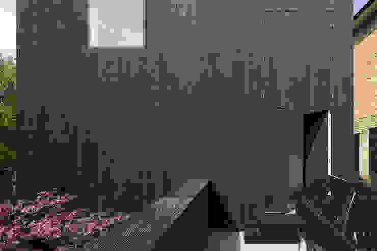 Entrance Minimalist houses by Ed Reeve Minimalist
