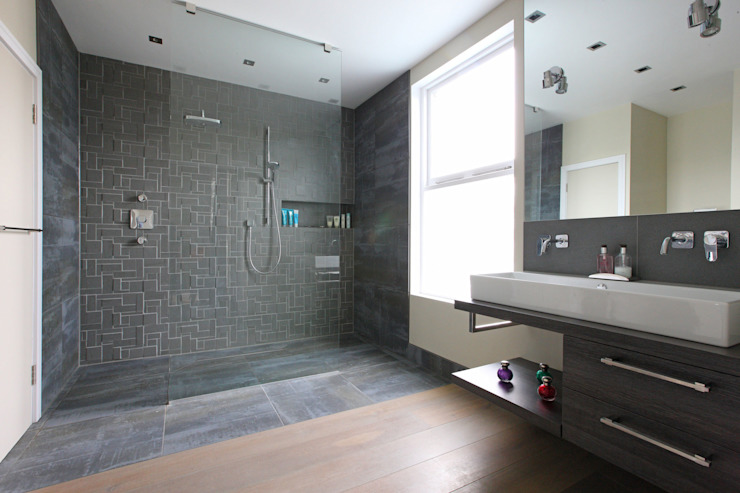 Wet room Modern bathroom by PAD ARCHITECTS Modern